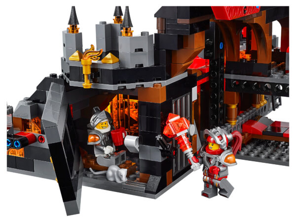Lego Nexo Knights 70323   Jestros Vulkanfestung   5